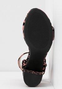 Dorothy Perkins Wide Fit - WIDE FIT BIKINI BLOCK - Sandály na vysokém podpatku - pink - 6