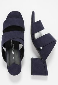 Dorothy Perkins Wide Fit - WIDE FIT BART MULE CROSS OVER - Mules à talons - navy - 3