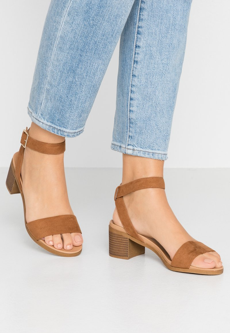 Dorothy Perkins Wide Fit - WIDE FIT COMFORT FOOTBED STACK HEEL - Sandals - tan