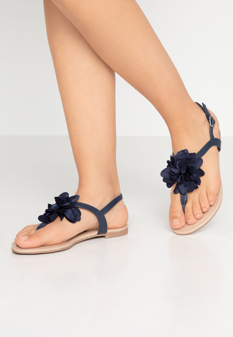 Dorothy Perkins Wide Fit - WIDE FIT FLORAL CORSAGE TRIM TOE POST - Zehentrenner - navy