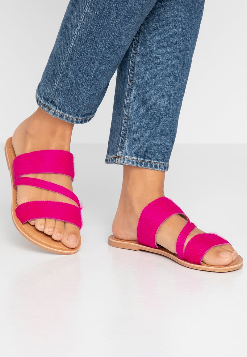 Dorothy Perkins Wide Fit - WIDE FIT ASYMMETRIC TRIPLE STRAP  - Mules - pink