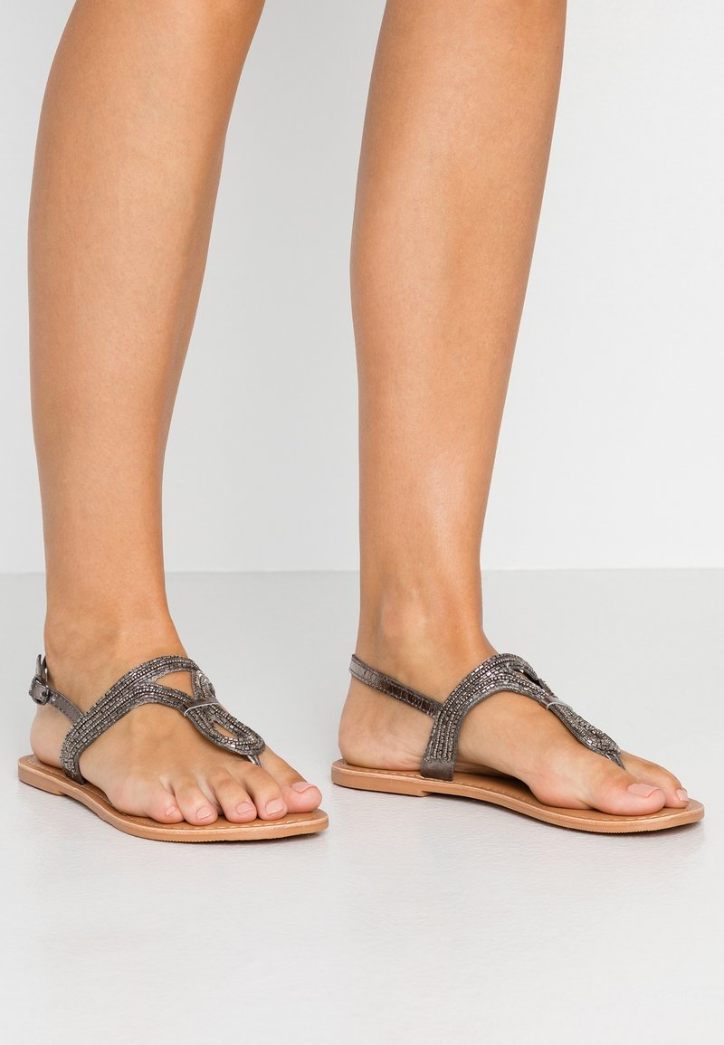 Dorothy Perkins Wide Fit - WIDE FIT JUNIPER - T-bar sandals - black