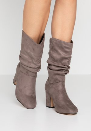 WIDE FIT KIND RUCHED BOOT - Høje støvler/ Støvler - grey