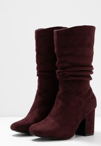 Dorothy Perkins Wide Fit - WIDE FIT KIND RUCHED BOOT - Boots - oxblood - 3