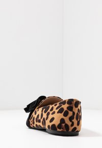 Dorothy Perkins Wide Fit - WIDE FIT PERCY LEOPARD - Instappers - brown - 5