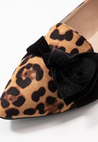 Dorothy Perkins Wide Fit - WIDE FIT PERCY LEOPARD - Instappers - brown - 2