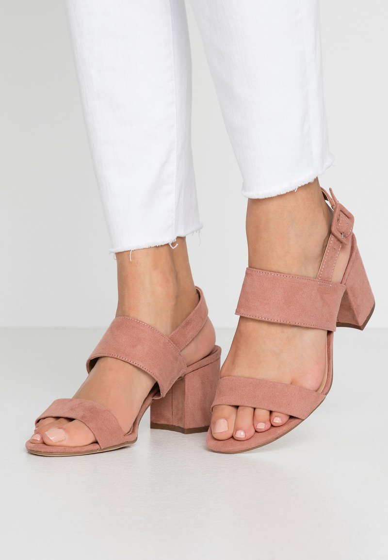 Dorothy Perkins Wide Fit - WIDE FIT SADE DOUBLE STRAP MULE - Sandalias - blush