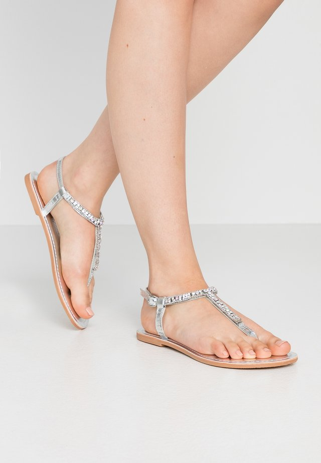 WIDE FIT JULES FLOWER TOESPORT - T-bar sandals - silver