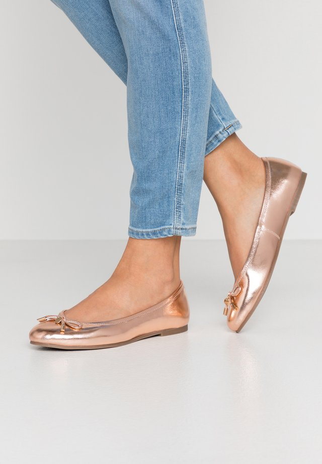 WIDE FIT - Ballet pumps - rose gold
