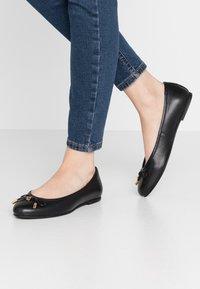Dorothy Perkins Wide Fit - WIDE FIT - Ballet pumps - black - 0