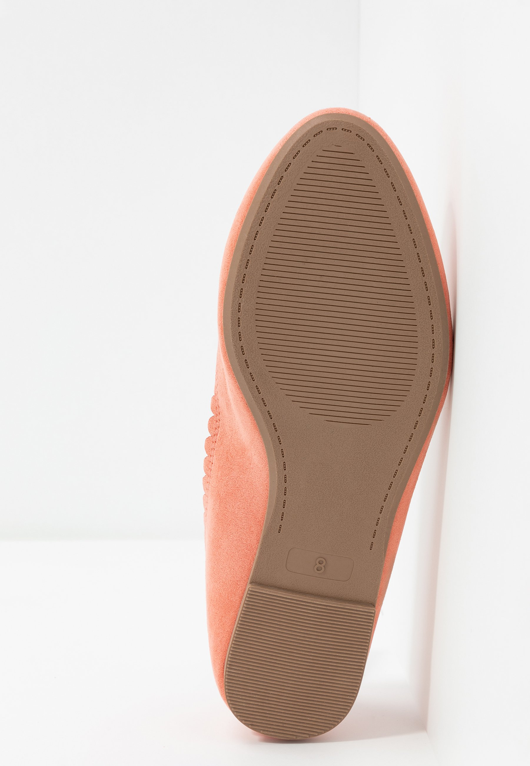 Dorothy Perkins Wide Fit WIDE FIT PIPPASCALLOP ROUND TOE - Ballerinasko - coral