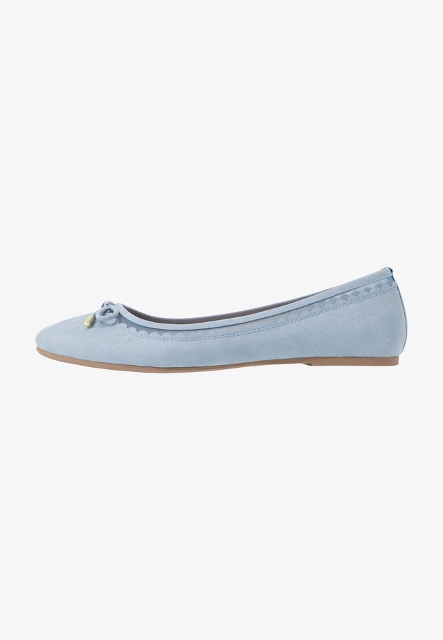 WIDE FIT PIPPASCALLOP ROUND TOE  - Ballerina - blue