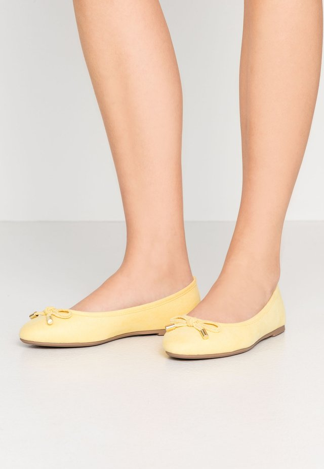 WIDE FIT PEACH  - Ballet pumps - yellow