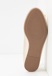 Dorothy Perkins Wide Fit - WIDE FIT PEACH  - Ballet pumps - gold - 6