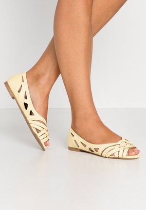 WIDE FIT PEARLENE  - Ballerina peep-toe - yellow