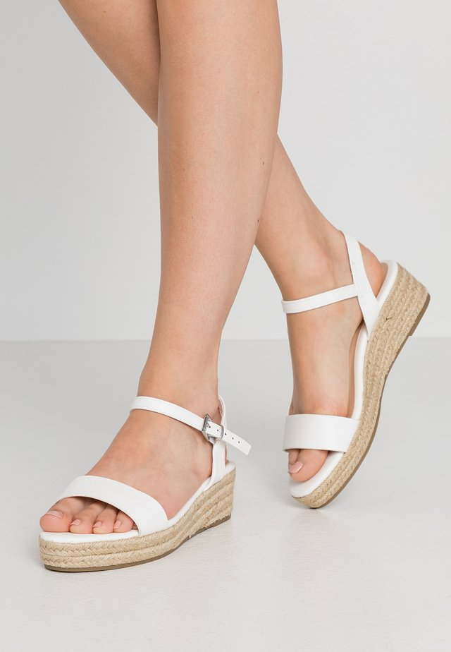 WIDE FIT RHIANNA 2 PART - Loafers - white