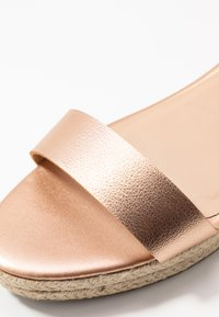 Dorothy Perkins Wide Fit - WIDE FIT RHIANNA 2 PART - Espadrilky - rose gold - 2