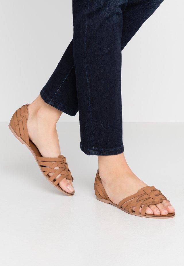 WIDE FIT JINX - Sandals - tan