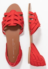 Dorothy Perkins Wide Fit - WIDE FIT JINX - Sandaler - red - 3