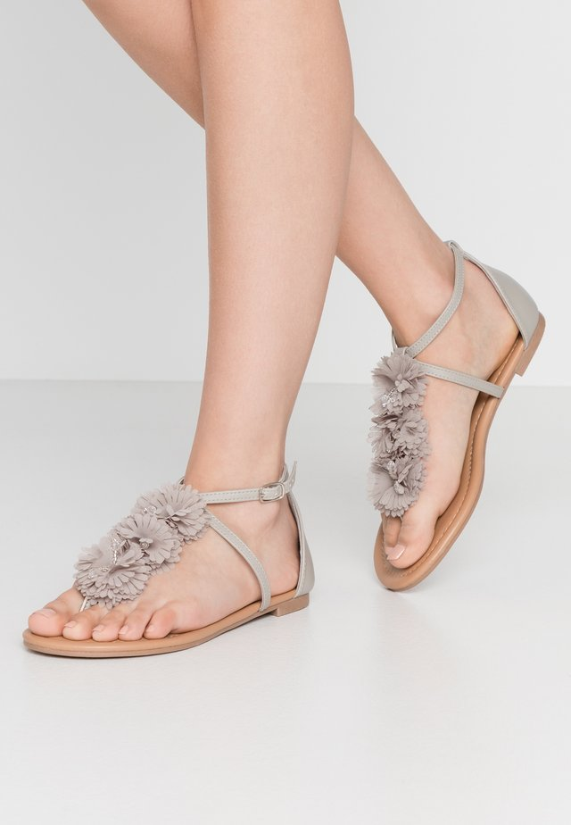 WIDE FIT FLEURS CORSAGE TRIM - T-bar sandals - light grey