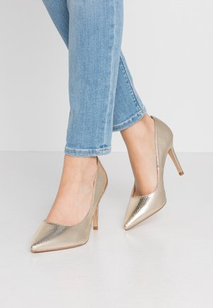 WIDE FIT DANIELLE - Klassiska pumps - gold