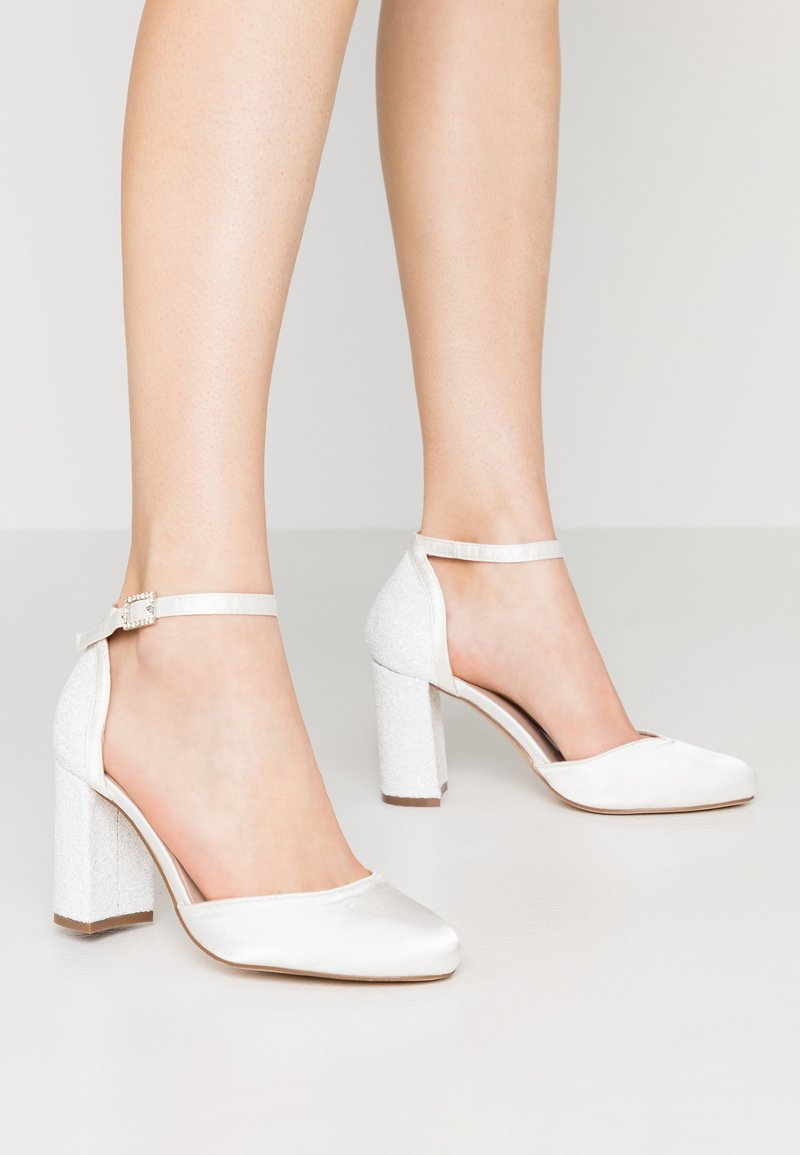 Dorothy Perkins Wide Fit - WIDE FIT MIMOSA - Zapatos altos - white
