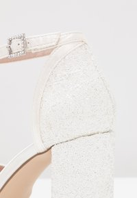 Dorothy Perkins Wide Fit - WIDE FIT MIMOSA - High Heel Pumps - white - 2