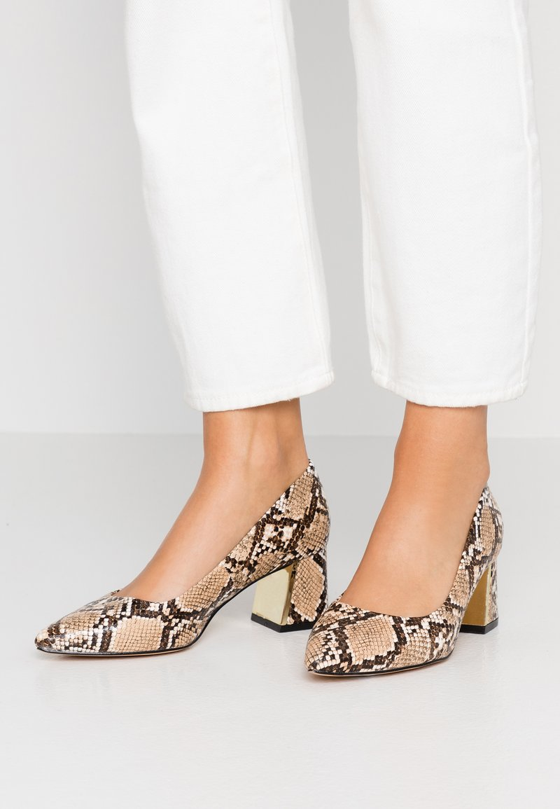 Dorothy Perkins Wide Fit - WIDE FIT DAYDREAM FLARED HEEL COURT - Tacones - multicolor