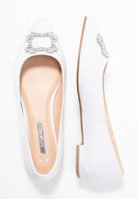 Dorothy Perkins Wide Fit - WIDE FIT PEYTON - Bailarinas - white - 3