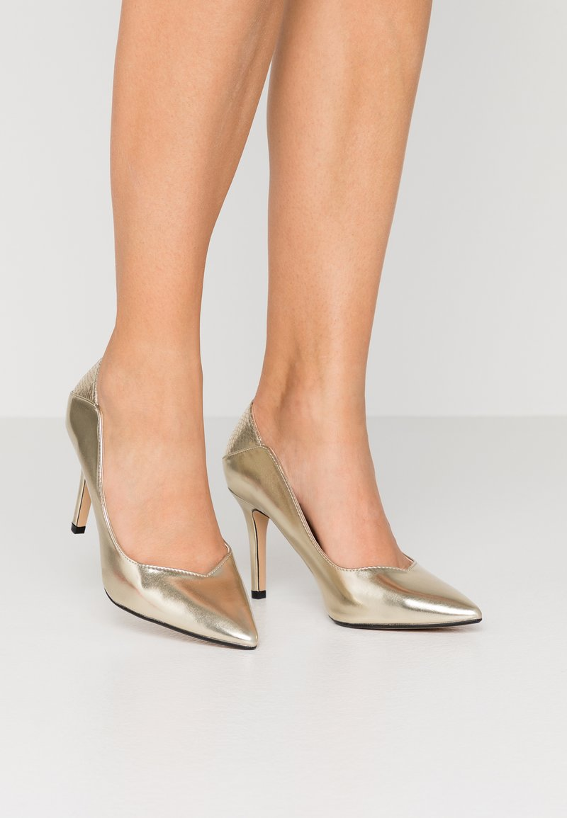 Dorothy Perkins Wide Fit - WIDE FIT DYNAMO COURT - High heels - gold