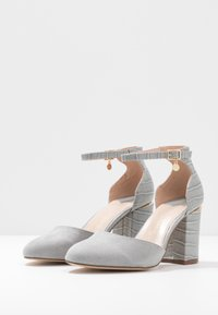 Dorothy Perkins Wide Fit - WIDE FIT DEBS ROUND TOW TWO PART COURT - Szpilki - grey - 4