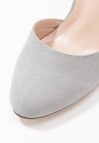 Dorothy Perkins Wide Fit - WIDE FIT DEBS ROUND TOW TWO PART COURT - Szpilki - grey - 2