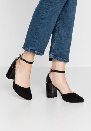 WIDE FIT DEBS ROUND TOW TWO PART COURT - Zapatos altos - black