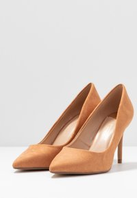 Dorothy Perkins Wide Fit - WIDE FIT DELE POINT COURT - Szpilki - taupe - 4