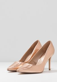 Dorothy Perkins Wide Fit - WIDE FIT DELE POINT COURT - High heels - rose gold - 4