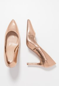 Dorothy Perkins Wide Fit - WIDE FIT DELE POINT COURT - High heels - rose gold - 3