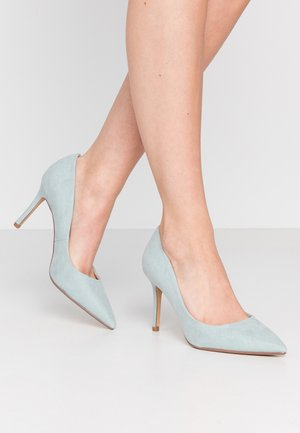 WIDE FIT DELE POINT COURT - High Heel Pumps - green