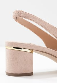 Dorothy Perkins Wide Fit - WIDE FIT DOLLAR CYCLINDER HEEL SLINGBACK COURT - Classic heels - nude - 2