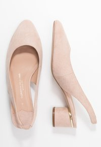 Dorothy Perkins Wide Fit - WIDE FIT DOLLAR CYCLINDER HEEL SLINGBACK COURT - Classic heels - nude - 3