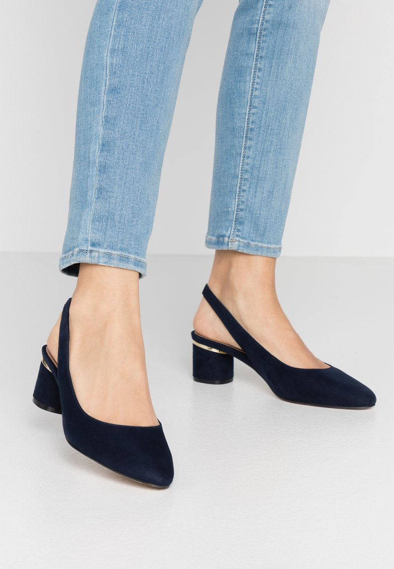 Dorothy Perkins Wide Fit - WIDE FIT DOLLAR CYCLINDER HEEL SLINGBACK COURT - Klassiske pumps - navy
