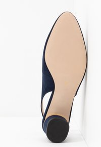 Dorothy Perkins Wide Fit - WIDE FIT DOLLAR CYCLINDER HEEL SLINGBACK COURT - Klassiske pumps - navy - 6