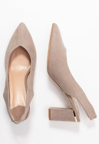 Dorothy Perkins Wide Fit - WIDE FIT EMILY SLING  - Czółenka - taupe - 1