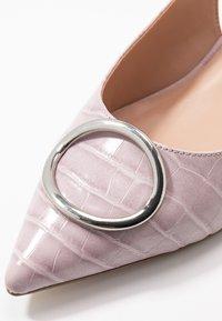 Dorothy Perkins Wide Fit - WIDE FIT EMMA RING LOW BLOCK SLING - Klassiske pumps - lilac - 5