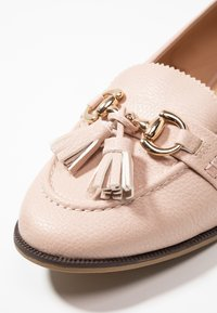 Dorothy Perkins Wide Fit - WIDE FIT - Instappers - nude - 2