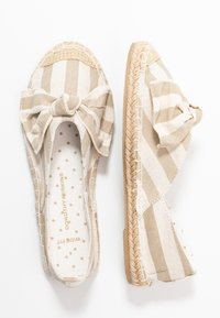Dorothy Perkins Wide Fit - WIDE FIT CAROLINA BOW TACKED - Espadrilles - natural - 3