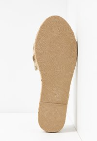 Dorothy Perkins Wide Fit - WIDE FIT CAROLINA BOW TACKED - Espadrilles - natural - 6