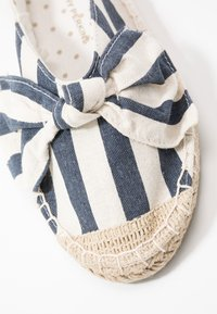 Dorothy Perkins Wide Fit - WIDE FIT CAROLINA BOW TACKED - Espadrilles - navy - 2