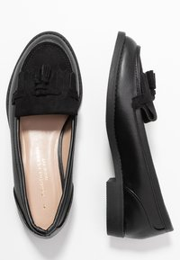 Dorothy Perkins Wide Fit - WIDE FIT LAURIE FRINGED LOAFER - Nazouvací boty - black - 3