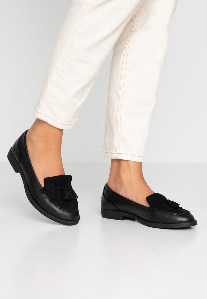 Dorothy Perkins Wide Fit - WIDE FIT LAURIE FRINGED LOAFER - Slipper - black