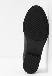 Dorothy Perkins Wide Fit - WIDE FIT LAURIE FRINGED LOAFER - Slip-ons - black - 6